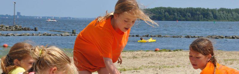 op het strand Vakantieopvang SKBNM