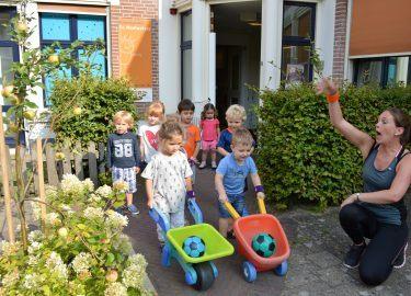 spelende kinderen kinderopvang de Woelwaters Naarden