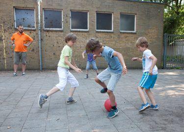 voetballen bij BSO 't Mouwtje Bussum