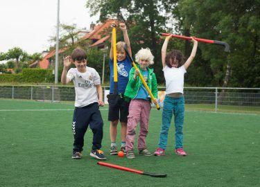 hockeyen bij Sport BSO het Clubhuis Naarden