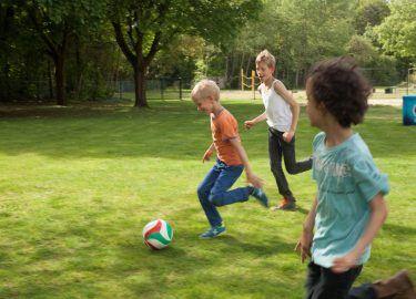 Voetballen sport BSO Zandzee Bussum