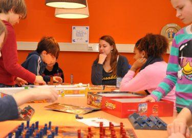 Bordspellen spelen bij BSO Tiens