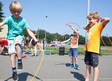 touwtje springen bij SPORT BSO 't Honk Bussum