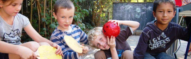 buiten spelen bij BSO de Talamander Bussum