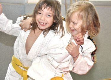 Judo SKBNM Clubjes vervoer