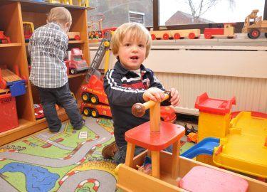 spelen bij Peuterspeelzaal de Krullevaar Muiderberg