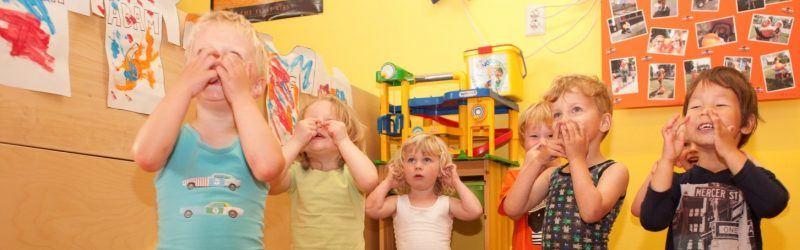 spelende kinderen kinderdagverblijf de Meerpaal Naarden
